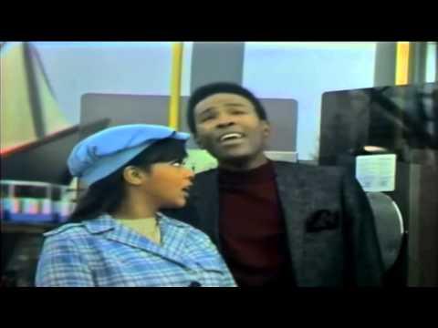 Marvin Gaye ft Tammi Terrell '' Ain't No Mountain High Enough'' HD
