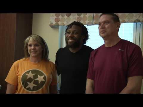 Eric Berry visits Cancer Institute at UTMC
