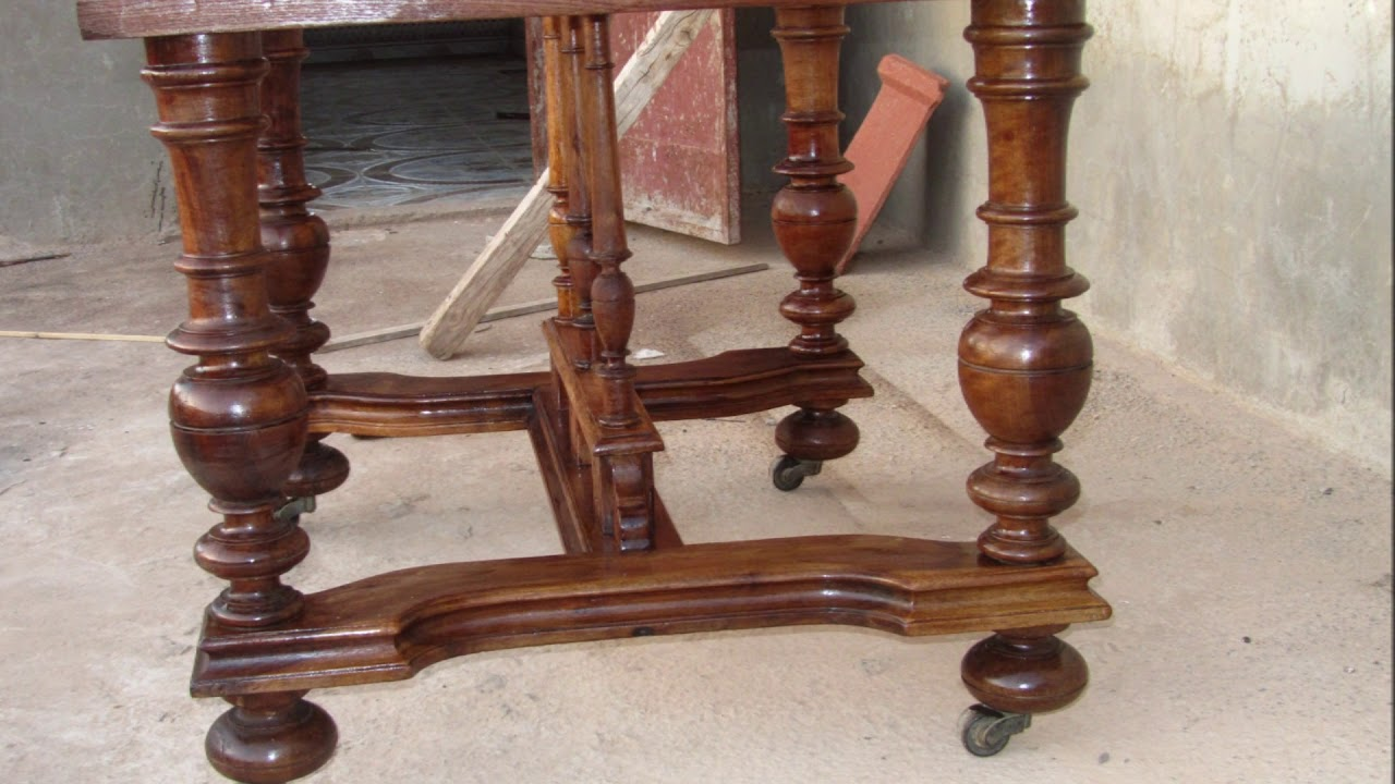 r novation d 39 une ancienne table en bois youtube. Black Bedroom Furniture Sets. Home Design Ideas