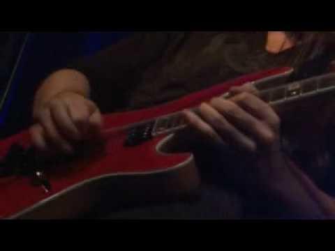 Jeff Scott Soto - Soul divine (Live in Madrid ´09)