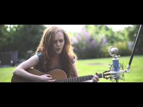 Skye Waulking Song - Cover by Field Sparrow