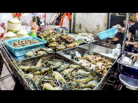 Bangkok. A Walk Around the Food Markets in the Streets of China Town. Thai and Chinese Street Food