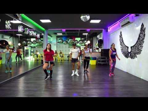 Chillax - Farruko ft Ky Mani Marley by Cesar James / Zumba Cardio Extremo Cancun