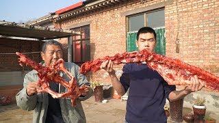 【食味阿远】阿远买了15斤驴架子,和老板要了些老汤,大火炖4个小时,上手啃   Shi Wei A Yuan