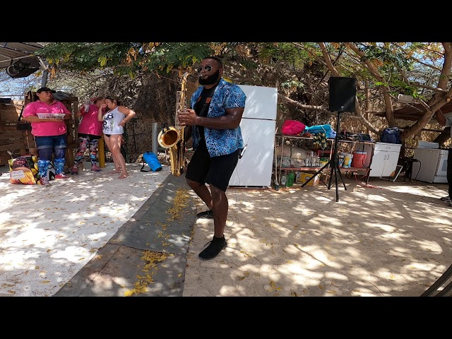 Curacao Dreams Travel live with Nelson Saxophone