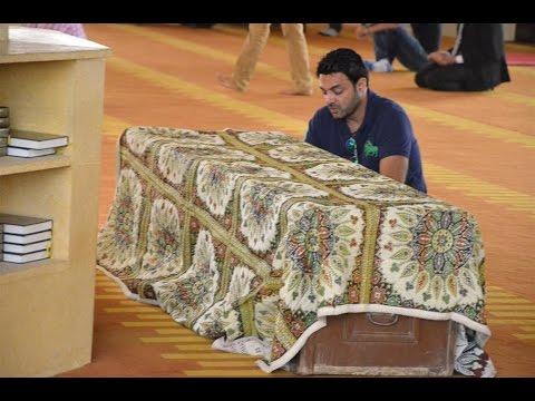 دموع وانهيار الفنانيين اثناء تشييع جثمان ميرنا المهندس من مسجد الشربتلي