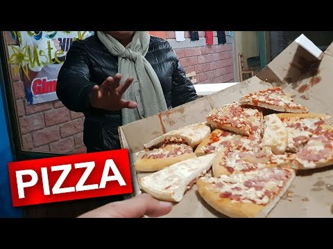 Repartiendo Pizza En Mal Estado BROMA!!