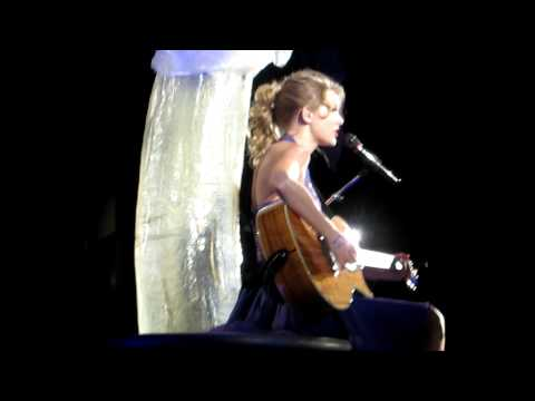 Superman- Taylor Swift LIVE kansas city 9/24