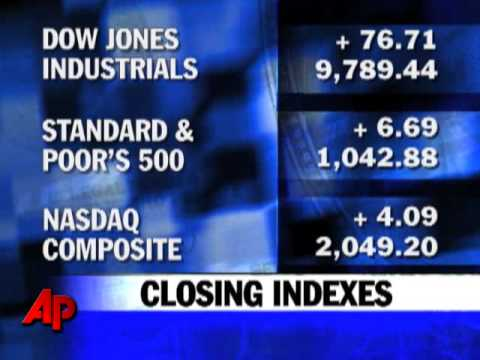 Stocks Waver, Dow Gives Up Triple-digit Gain
