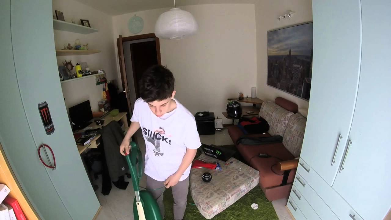Tenere In Ordine La Propria Camera : Come sistemare la camera in 51 secondi!! youtube