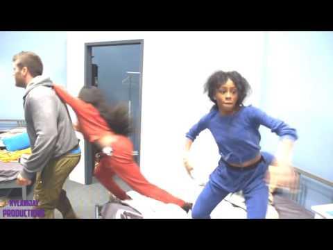 Twinning {Girlfight}- Le vs Kamila