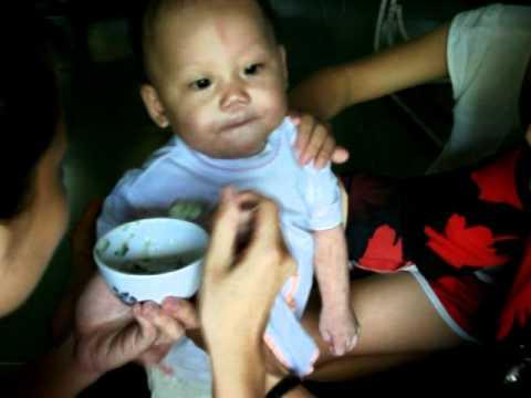 Video d9i thăm bé Như Ý  tại nhà bà Bảy ở Đồng Tháp.AVI