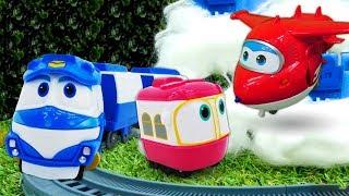 Видео про игрушки из мультфильмов Супер Крылья и Роботы Поезда. Новые приключения игрушек!