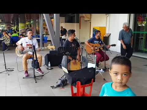 Rapuh - Nastia ( Cover by One Avenue Buskers)