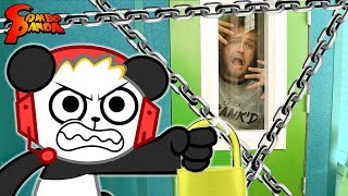 WHO IS STEALING COMBO CREW MEMBERS!? King Collector Crashes Combo Panda's NYCC 2019 Trip