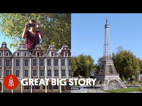 Mini Eiffel Towers, Giant Whales and Other Model Masterpieces смотреть
