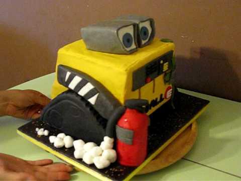 Yelenas WallE Birthday Cake