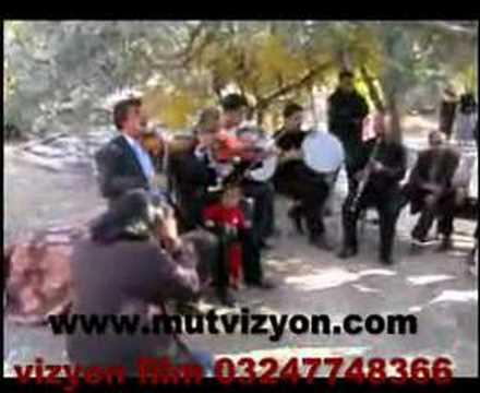 Mut Orta Köy (Vizyon Film Müzik Market ::: 774 83 66)