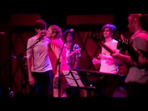 Lucy Woodward w/ Snarky Puppy singing Be My Husband