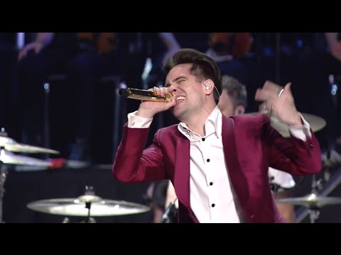 "APMAs 2015: Panic! At The Disco perform ""Hallelujah"" [FULL HD]"