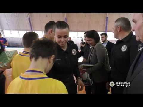 Поліція Чернівецької області: Поліція Буковини приєдналася до футбольного флешмобу «Ми одна команда»