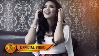PUTRI SIAGIAN - Molo Naung Bosan (Official Music Video)