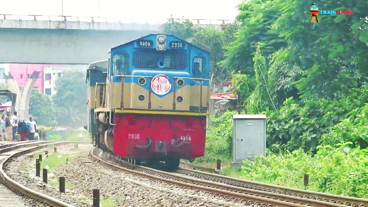 75kmh speedy Jayantika Express into Dhaka City ||| super fast Speedy Jayantika express Passing Kuril
