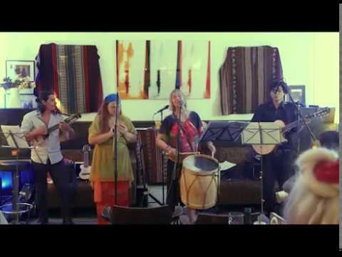 Ojos azules - Eva Argentina trifft Amarusunqu and friends