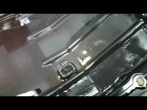 Тойота Rav4 2.4l. Пробег 140 000 км. Снимаем поддон акпп, меняем фильтр и жидкость в автомате.