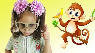 Five Little Monkeys Jumping On The Bed - Baby Nursery Rhymes Song by Nika