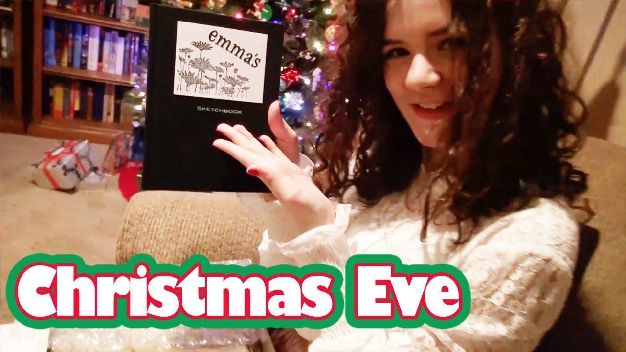 Opening Presents Christmas Eve! | KITTIESMAMA - YouTube