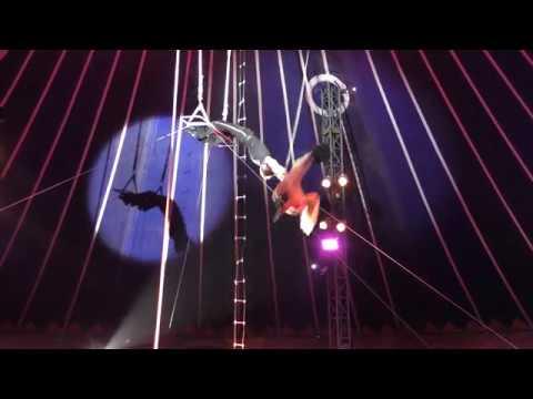 Падение воздушной гимнастки в цирке во время циркового представления в Уфе СЛАБОНЕРВНЫМ НЕ СМОТРЕТЬ