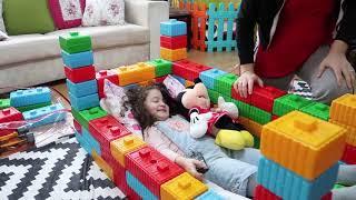 История Elif Из Цветных Ног - История Elif Сделанная Игрушка Милая Кровать Весело Ребенок Видео