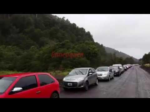 Así son las largas filas de neuquinos que cruzan a Chile