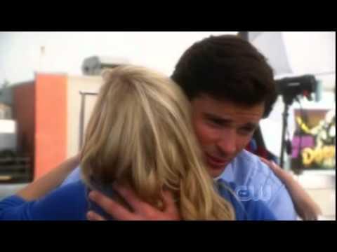 Smallville Supergirl Clark and Kara Returns