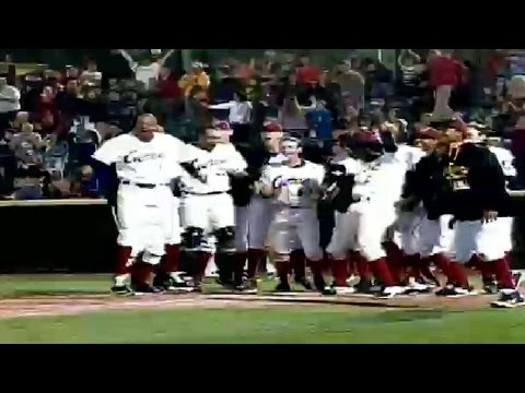 Bell hits walk-off blast for Altoona