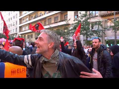 Milano, corteo sciopero generale: contestazioni davanti Camera del Lavoro all'indirizzo della CGIL