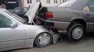 Исфара; ДТП 15.03.17 Свадебный кортеж столкнулись 4 машины  BMW и 3 MERCEDES
