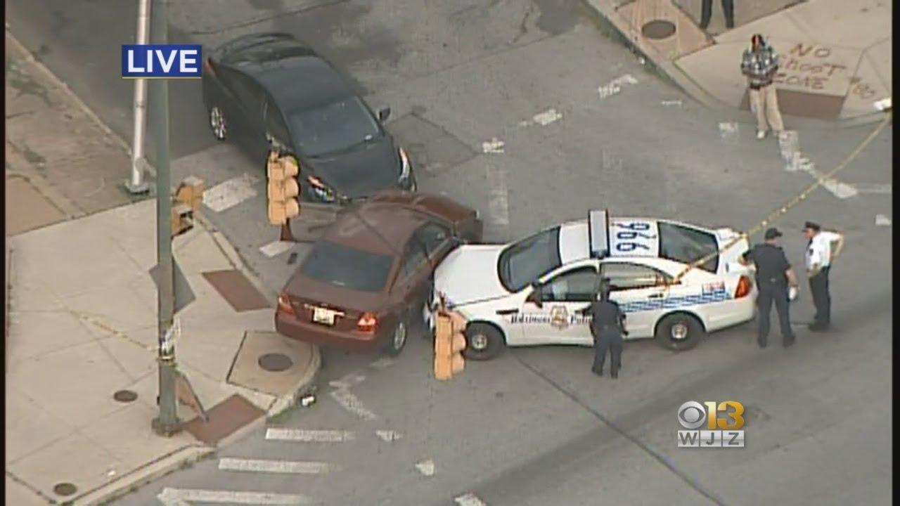 Officer Injured In 3-Vehicle Crash In Baltimore
