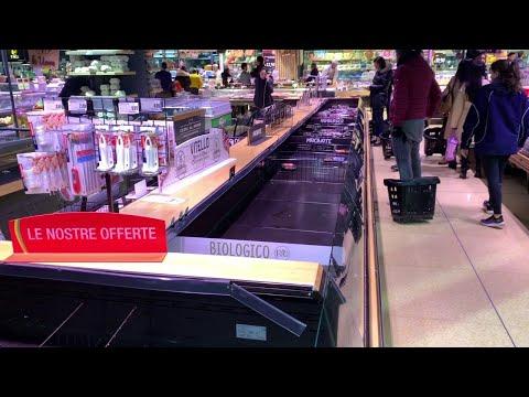 Coronavirus, dilaga la psicosi a Milano: gli scaffali vuoti dei supermercati