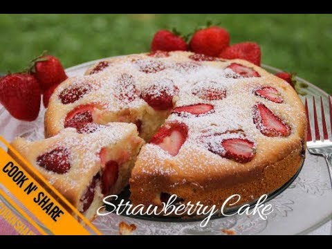 Easy One Bowl Strawberry Cake