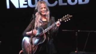 CHRISTINA ROSENVINGE - Alguien Que Cuide De Mi (En directo)