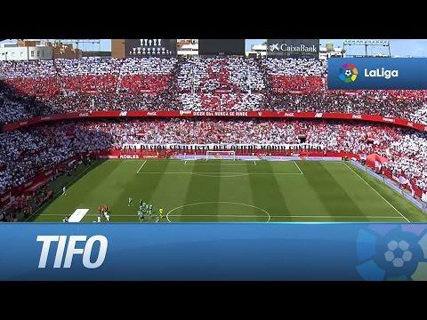 Tifo en el Sánchez Pizjuán por el derbi Sevilla FC - Real Betis