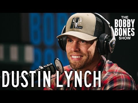 Dustin Lynch Says That Girls Slide Into His DMs All The Time