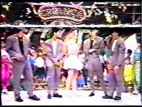 Angélica recebe grupo Dominó no Clube da Criança 1988