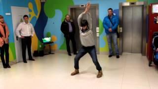 Илья. Спонтанный танец.