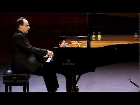 Claudio Martinez-Mehner plays J.S. Bach - Partita n°4 en ré majeur, BWV 828