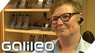 10 unangenehme Fragen an einen Fahrkartenkontrolleur | Galileo | ProSieben