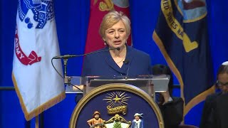 Janet Mills delivers inaugural address Janet Mills made history Wednesday when she was sworn in as the state's 75th governor and the first woman to ever hold that position. Subscribe to WMTW on ...