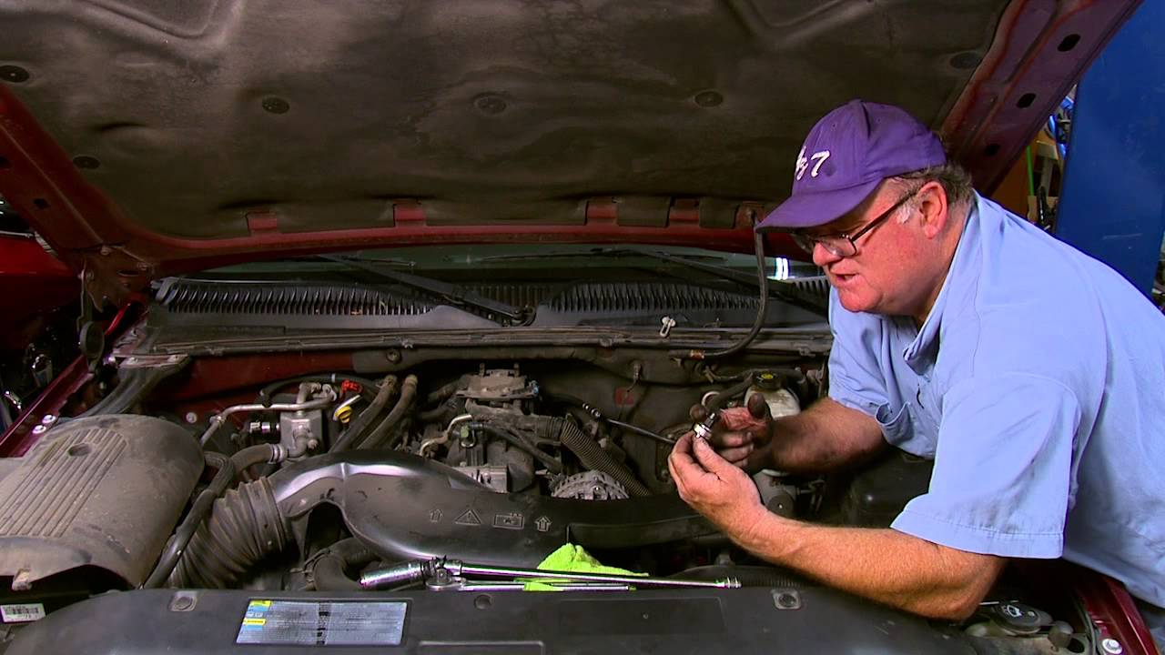 Repair Replace Oil Sending Unit On A 2001 2006 Chevorlet Silverado 2007 Chevy Tahoe Fuel Filter Suburban And Escalade Youtube